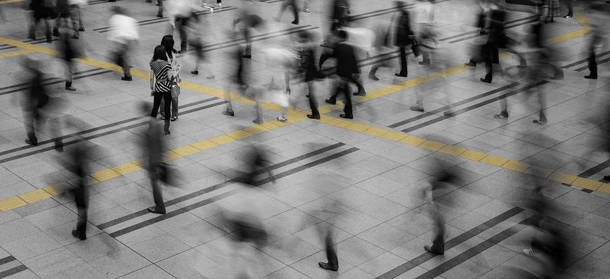 321_Shinagawa_JR_station_motion_blur_CROP